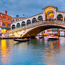 Experience 'La Dolce Vita' in Italy!