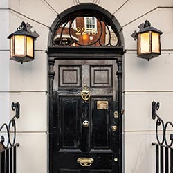 Investigate London with a Sherlock Walking Tour