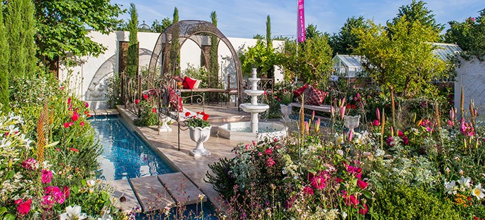 Hampton court flower show coach trips 2018 - Hampton court flower show ...
